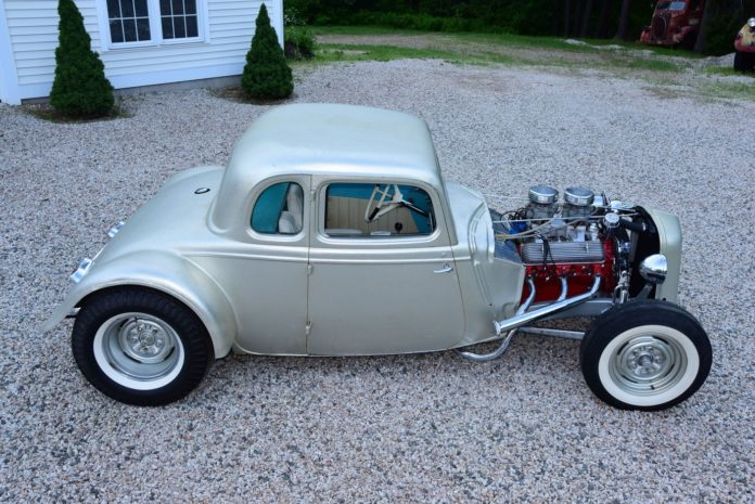 001-1934-ford-five-window-channeled-coupe-waitt