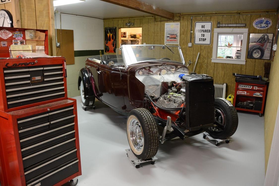 001-1936-ford-phaeton-hinge-pin-repair