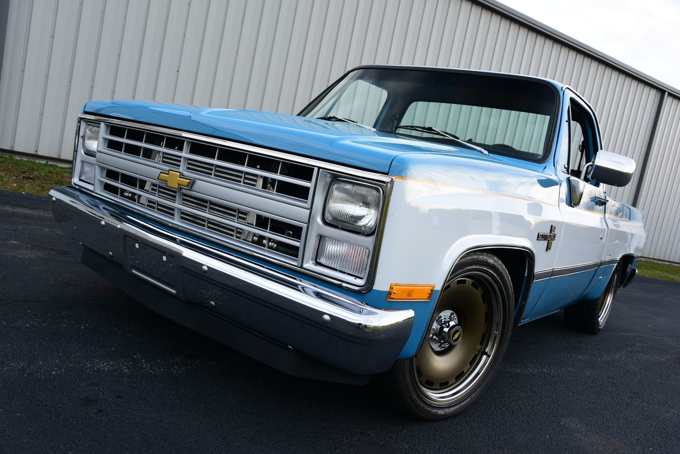 002-1983-chevrolet-c10-scottsdale-pickup-cerce