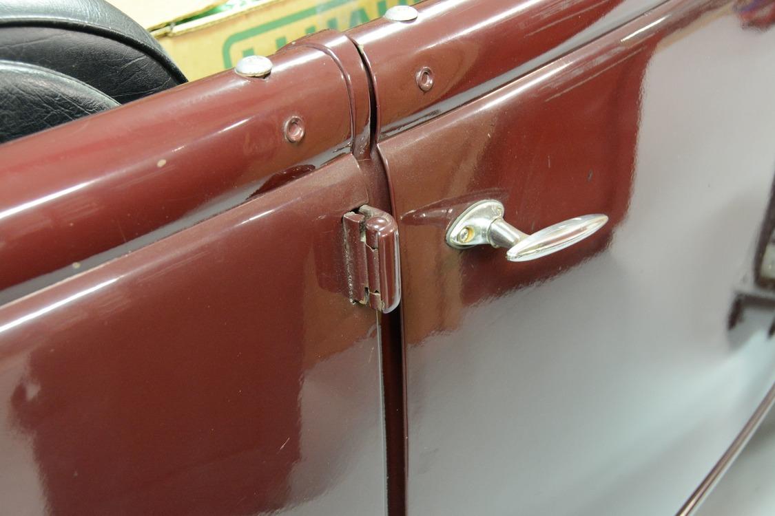 003-1936-ford-phaeton-hinge-pin-repair