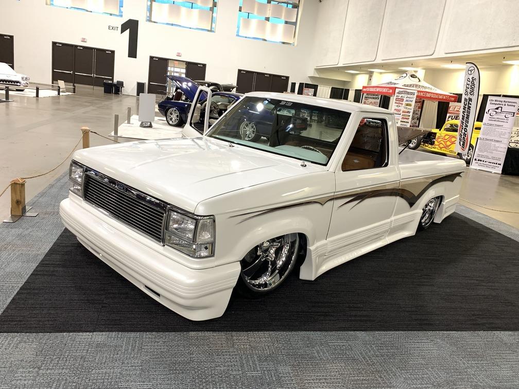 008-2020-toronto-motorama-grand-champion-chevy-pickup