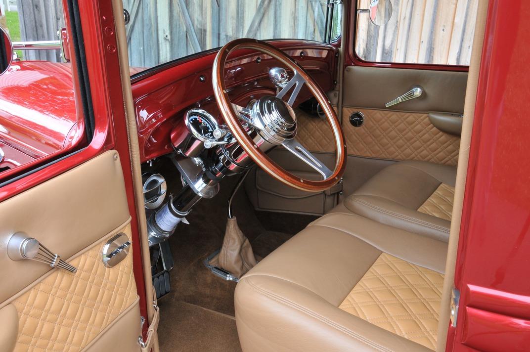012-1934-ford-pickup-rowland-interior-steering-wheel