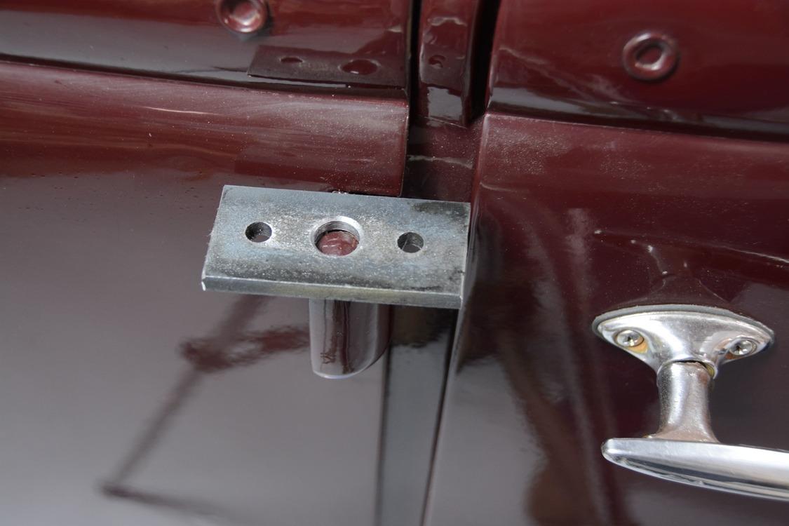 012-1936-ford-phaeton-hinge-pin-repair