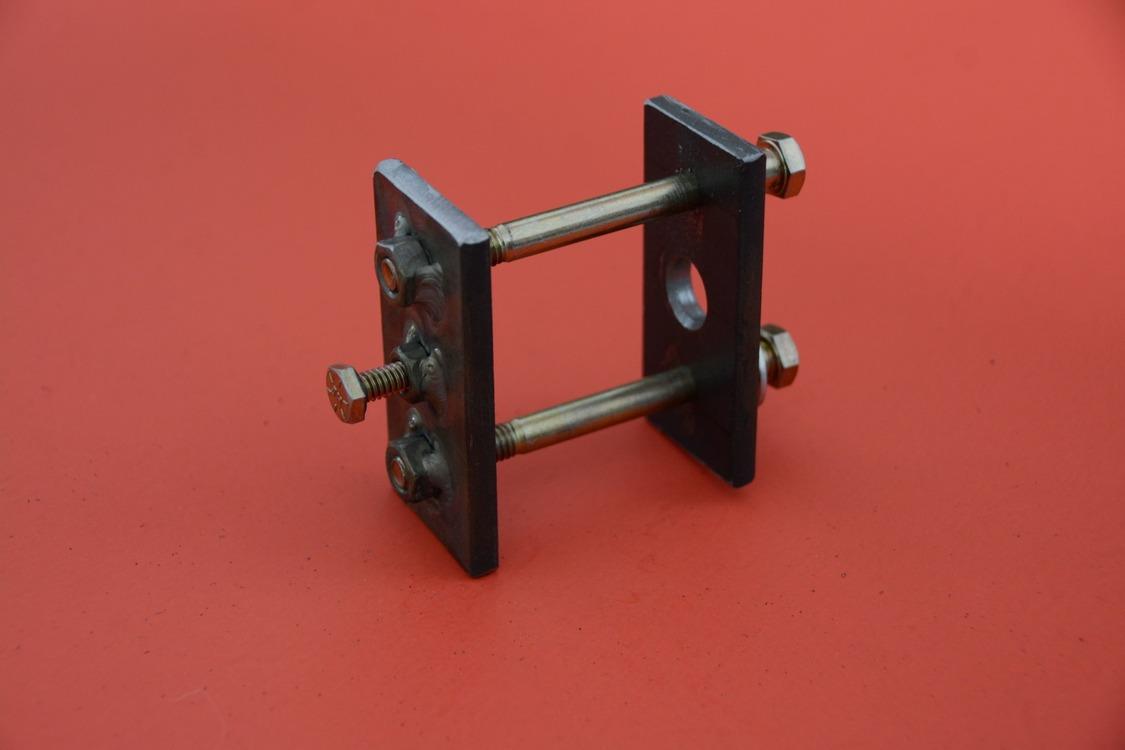 013-1936-ford-phaeton-hinge-pin-repair