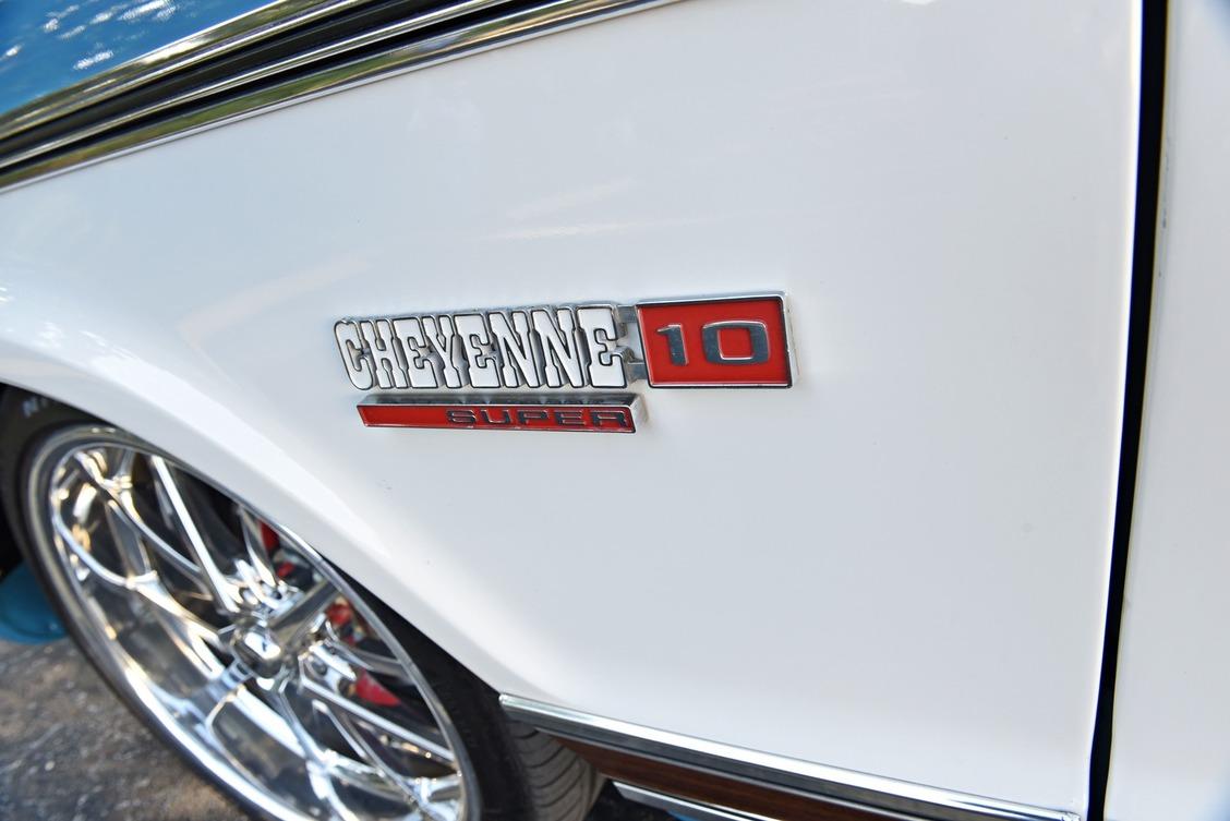 013-1965-1972-chevrolet-c10-pickup-west-emblem