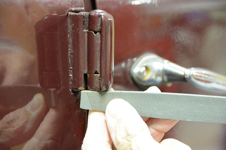 014-1936-ford-phaeton-hinge-pin-repair