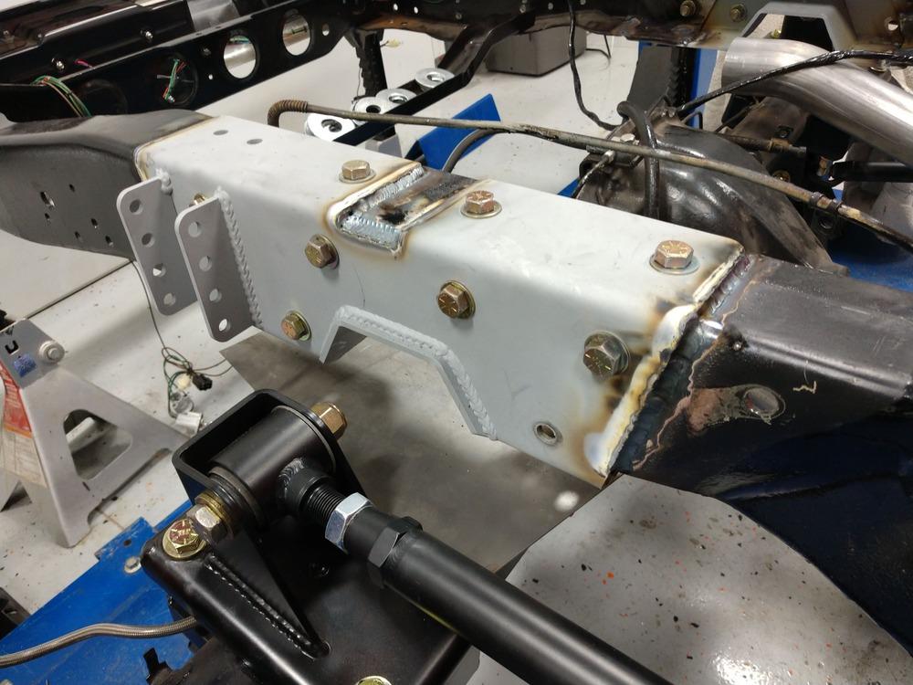 015-1973-1987-chevrolet-c10-square-body-pickup-detroit-speed-suspension-quadralink