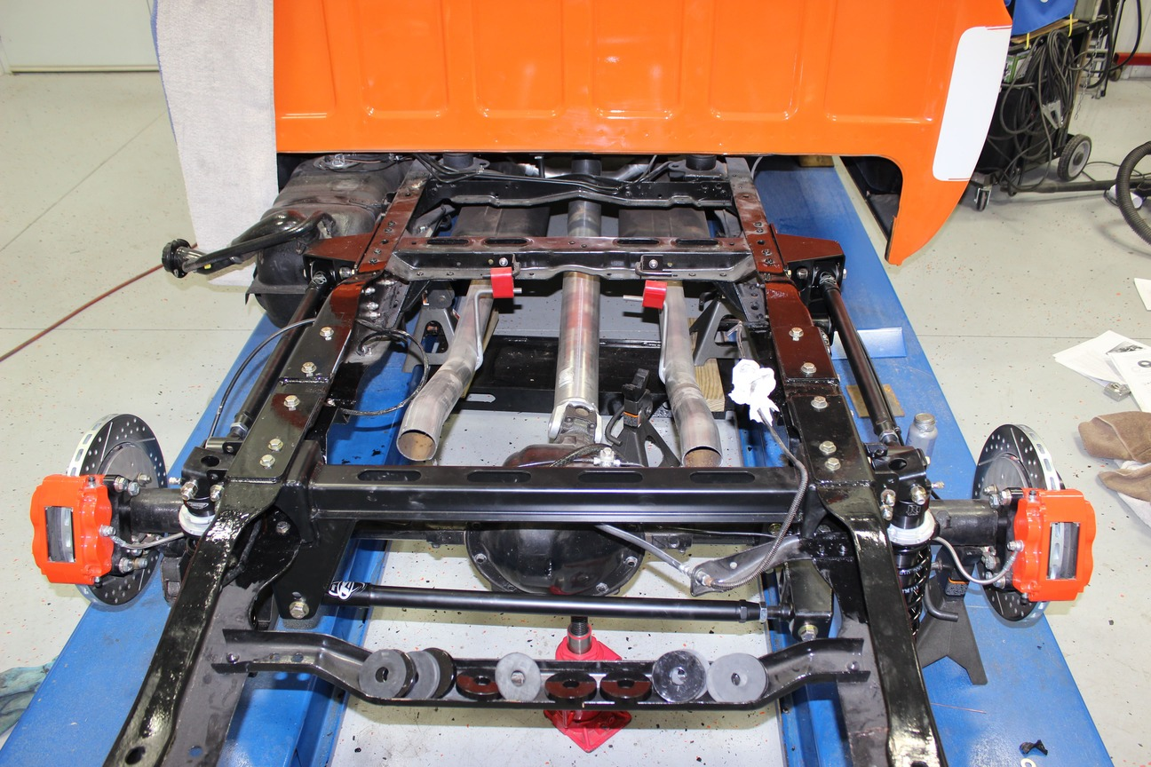 017-1973-1987-chevrolet-c10-square-body-pickup-detroit-speed-suspension-quadralink