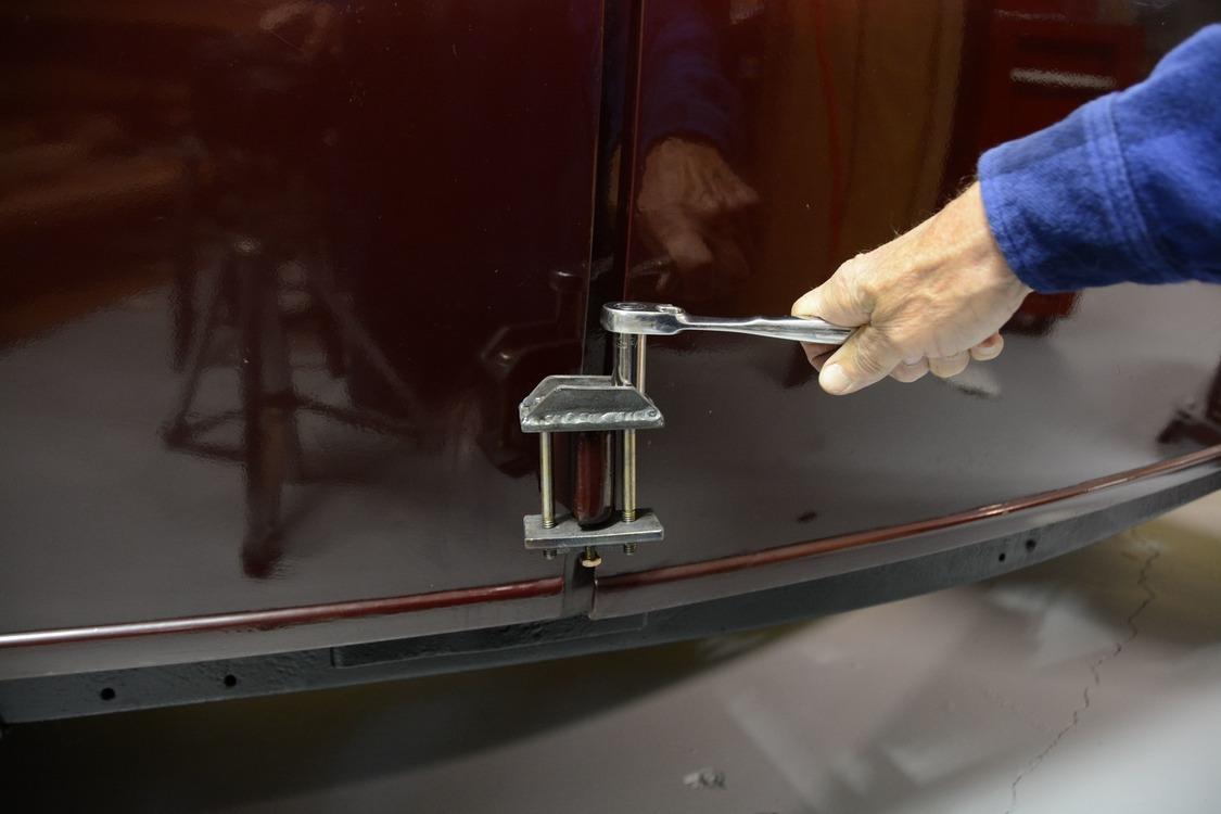 020-1936-ford-phaeton-hinge-pin-repair