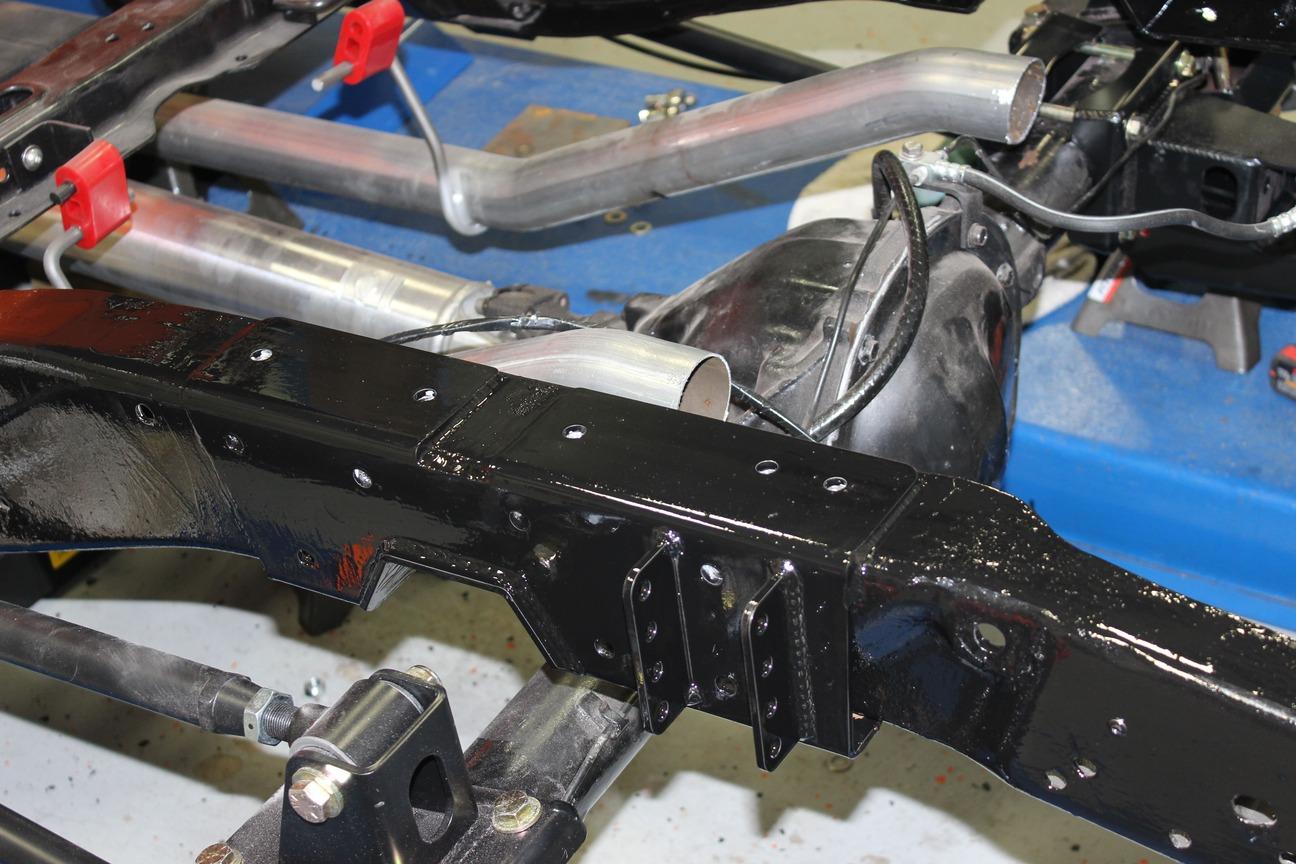 020-1973-1987-chevrolet-c10-square-body-pickup-detroit-speed-suspension-quadralink