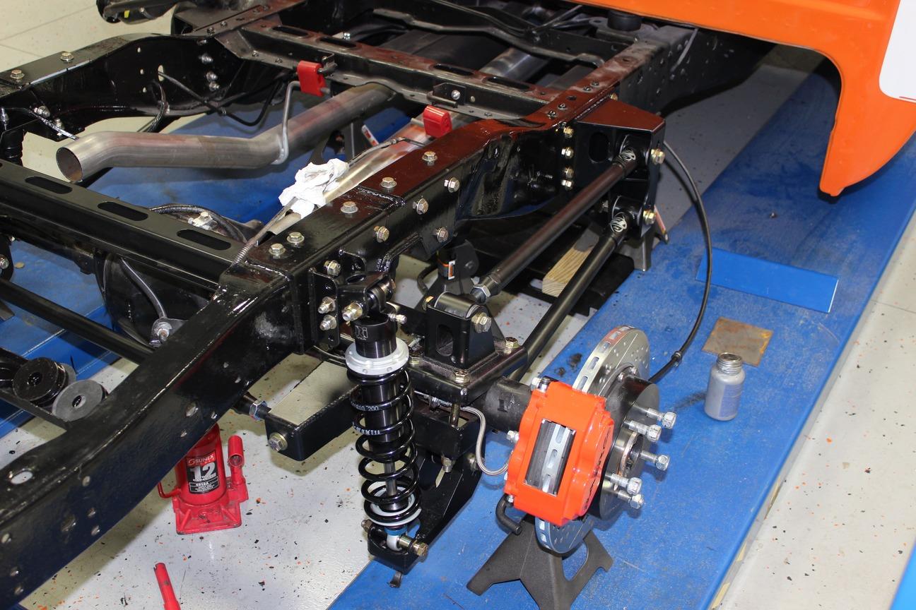 022-1973-1987-chevrolet-c10-square-body-pickup-detroit-speed-suspension-quadralink
