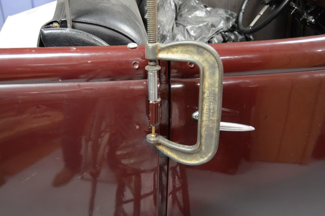 024-1936-ford-phaeton-hinge-pin-repair