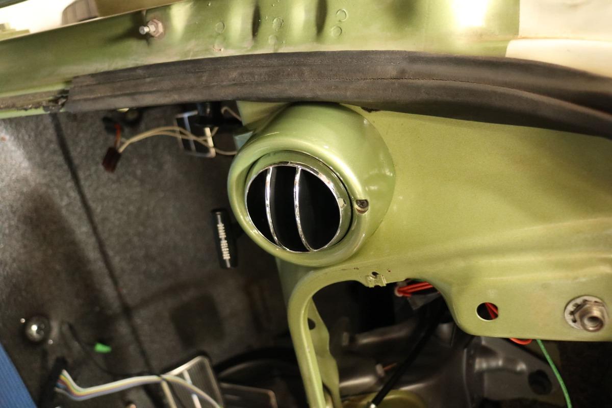 1971-chevy-c10-vintage-air-sure-fit-cpp (020)