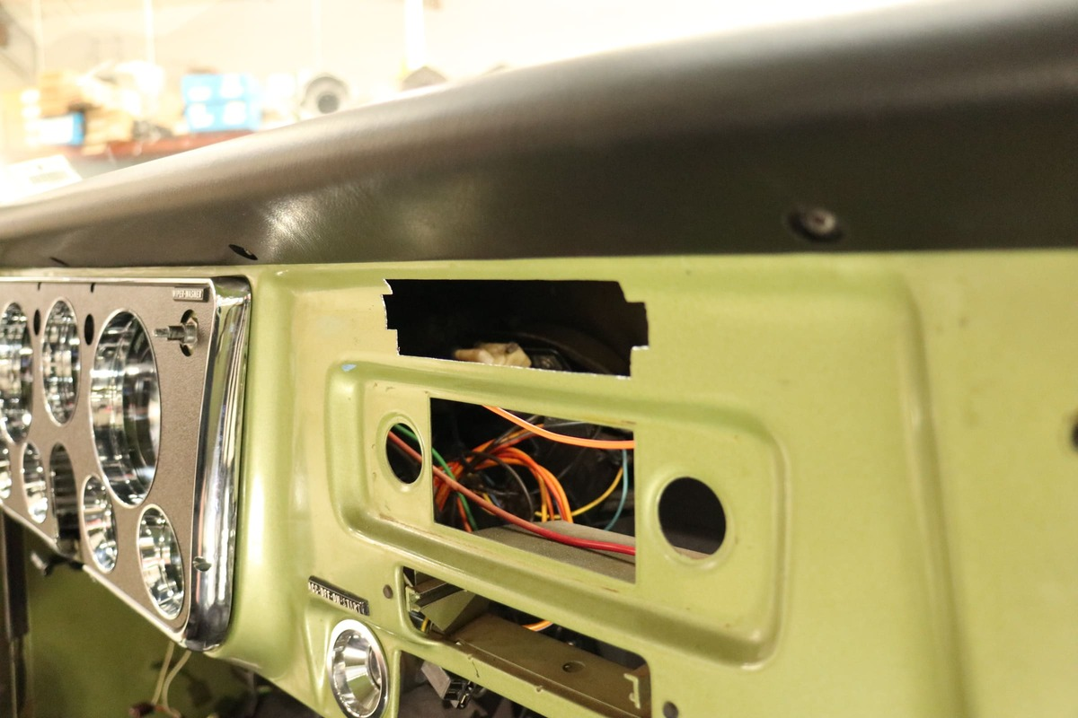 1971-chevy-c10-vintage-air-surefit- (014)