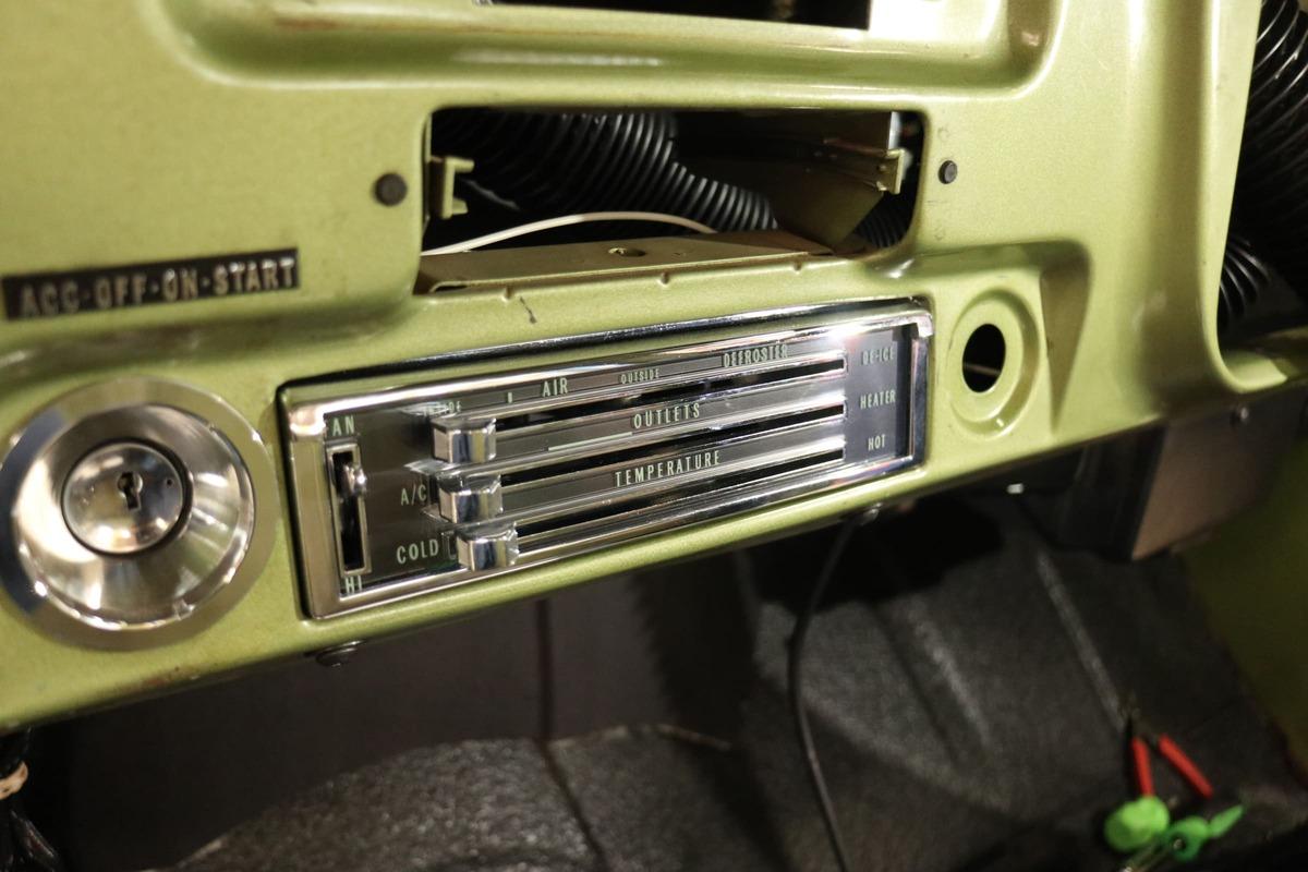 1971-chevy-c10-vintage-air-surefit- (017)