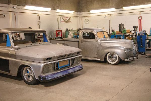 shop-tour-classic-trucks