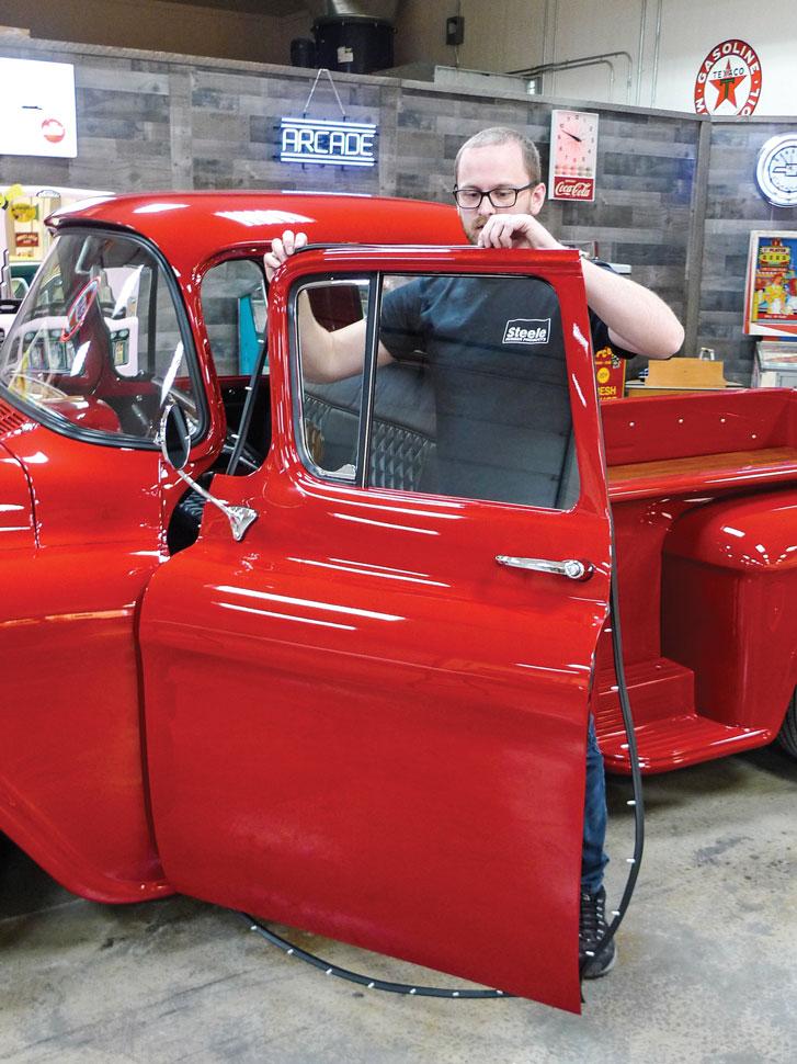 007-classic-truck-door-seals-install