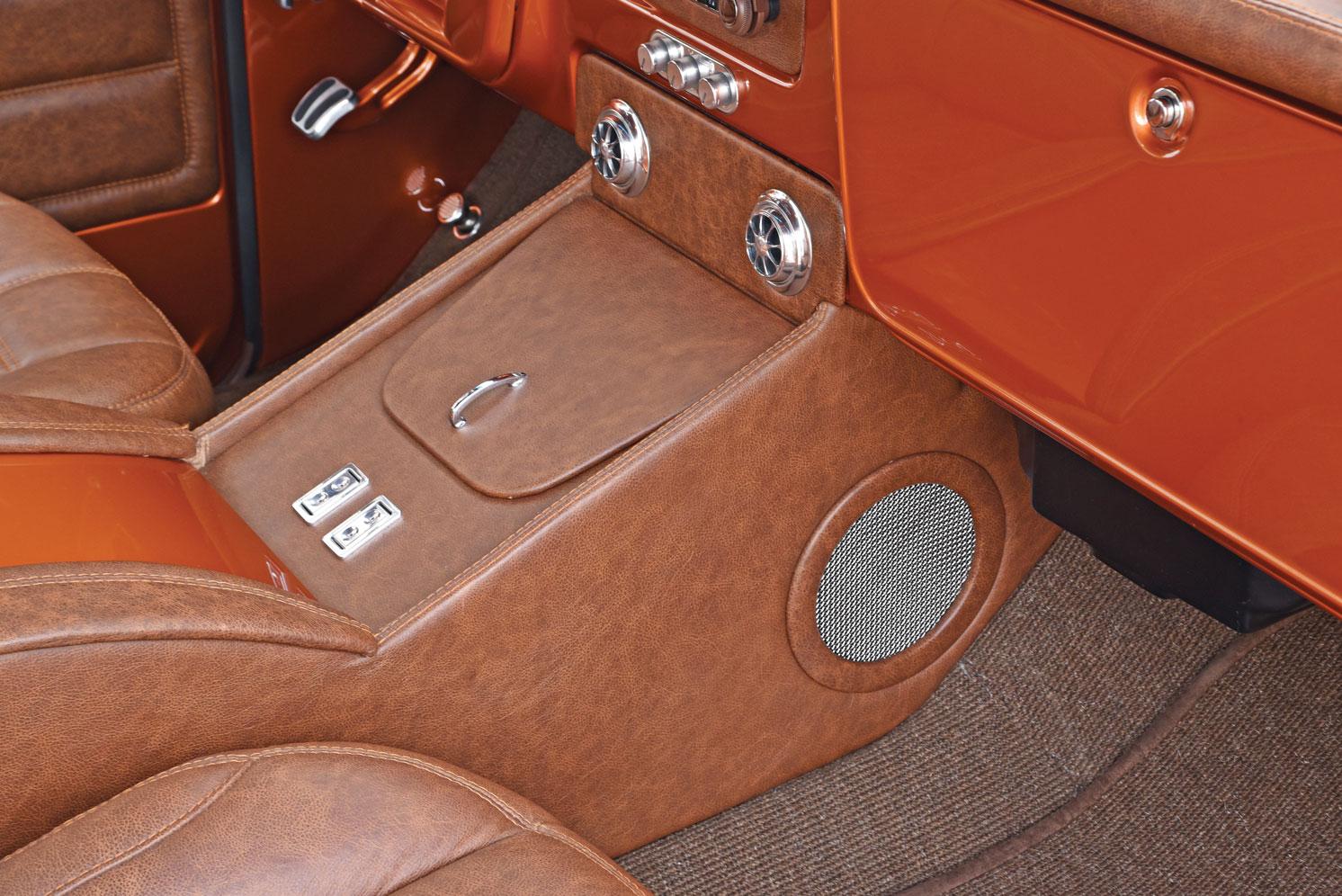 011-chevy-c10-custom-interior