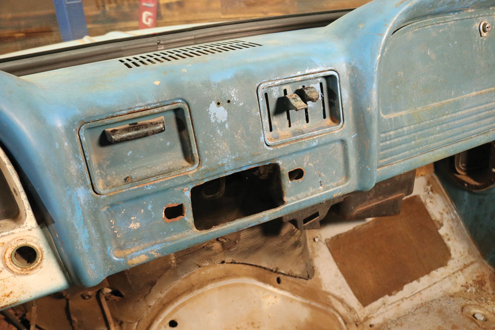 Old-butchered-radio-1966-chevy-truck