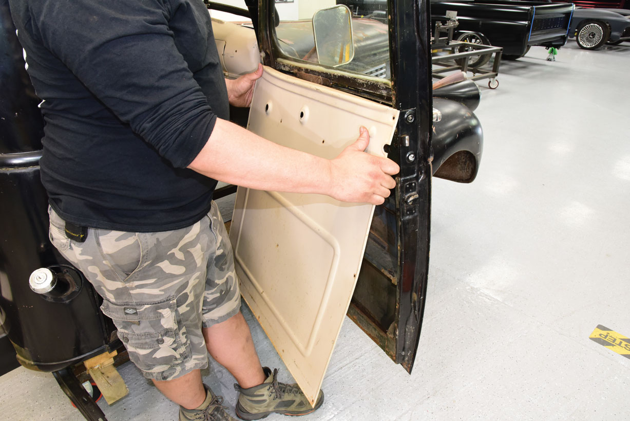 003 Installing a new door panel on a 1946 Chevy Truck