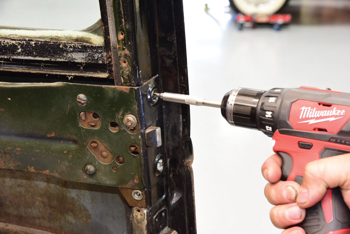 004 Removing the window regulator on a 1947 Chevy Truck