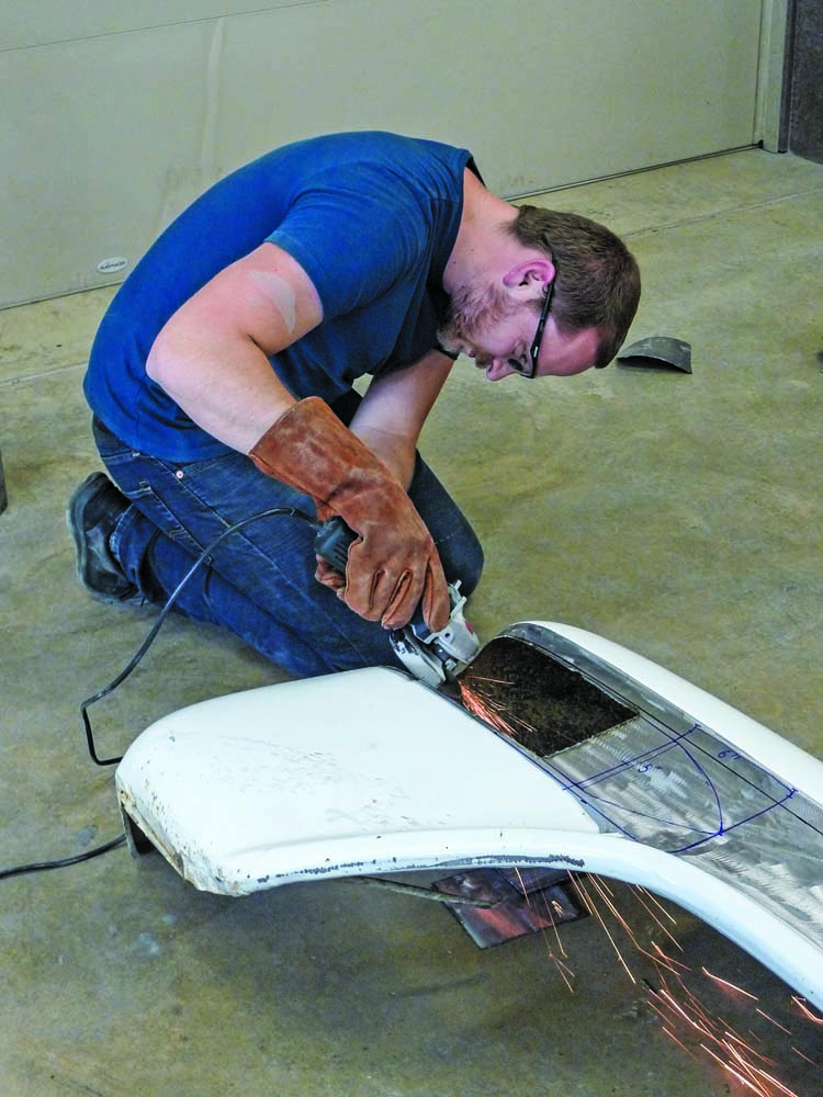 010 Cutting up Chevy Sidestep fenders for custom truck modifications