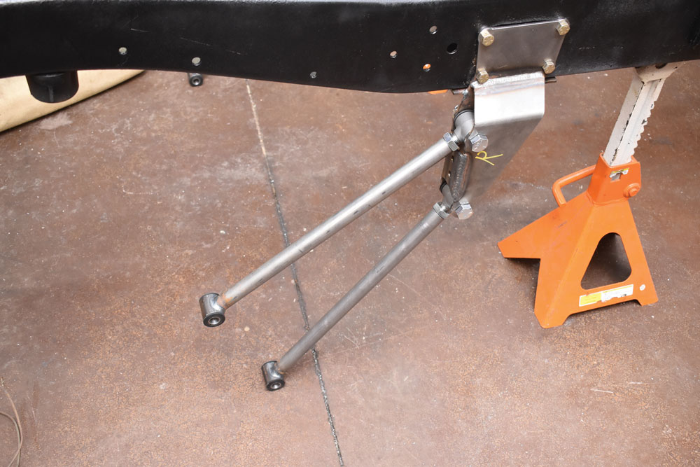 013. Installing a heidts rear suspension kit with a four-bar linkage