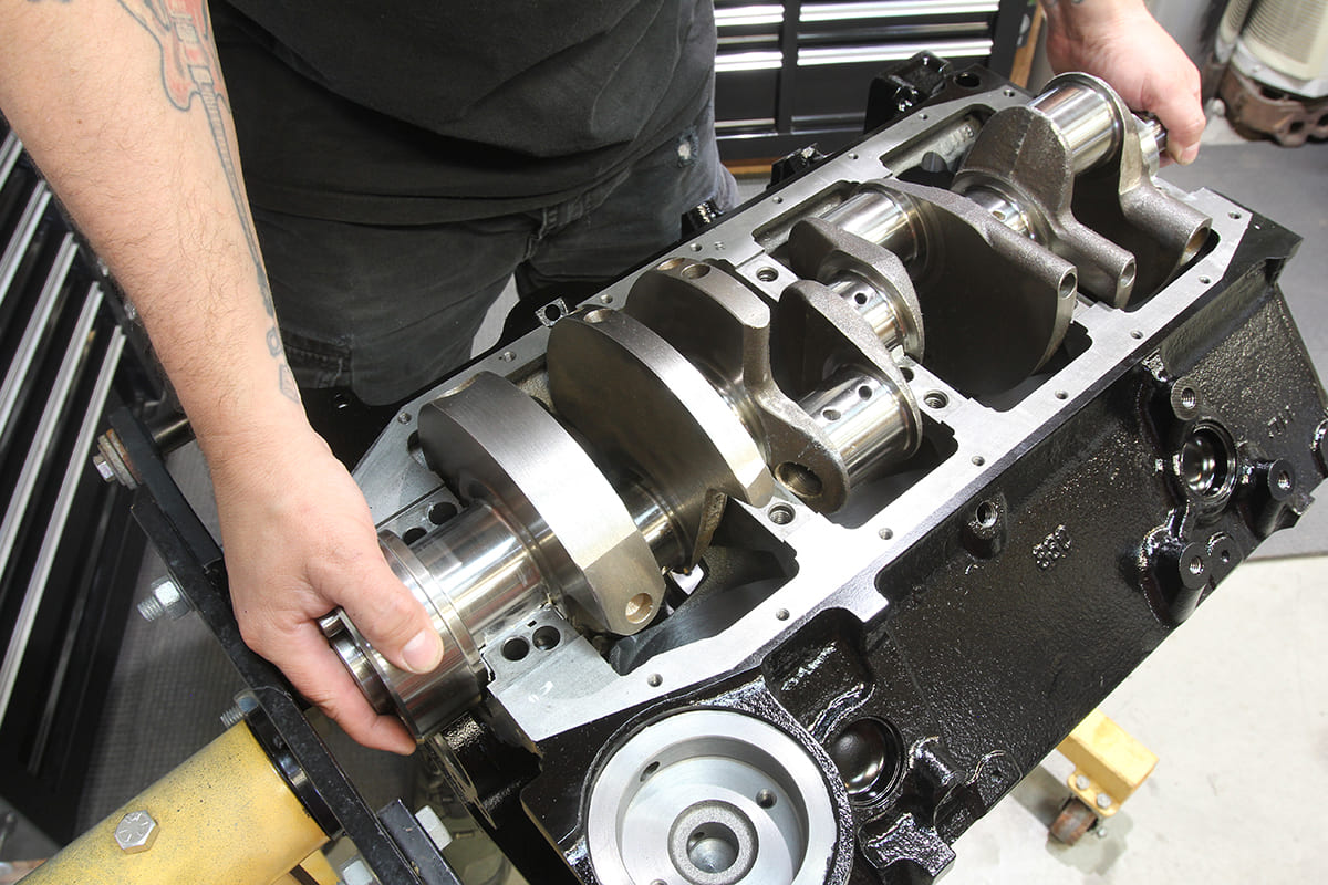 017-acp-small-block-engine-build