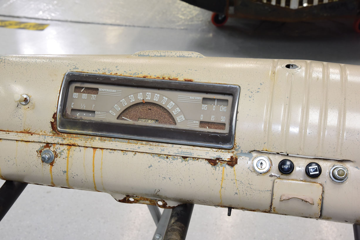 024 1946 chevy truck old gauge cluster