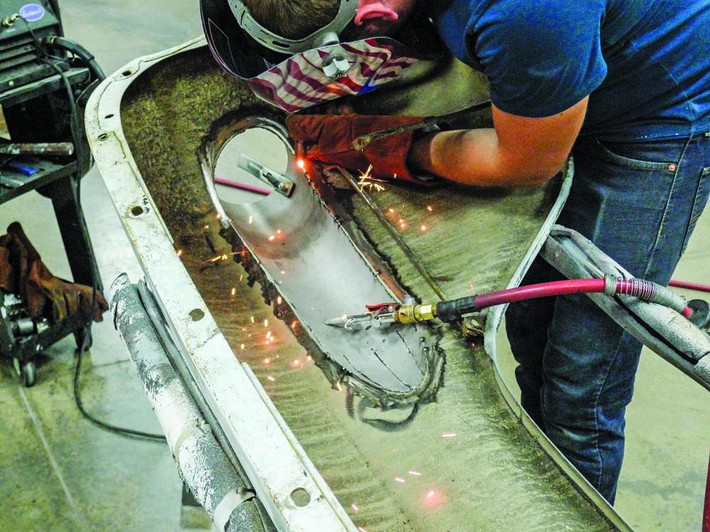 024 Welding the inside of the fender for new custom taillight housing