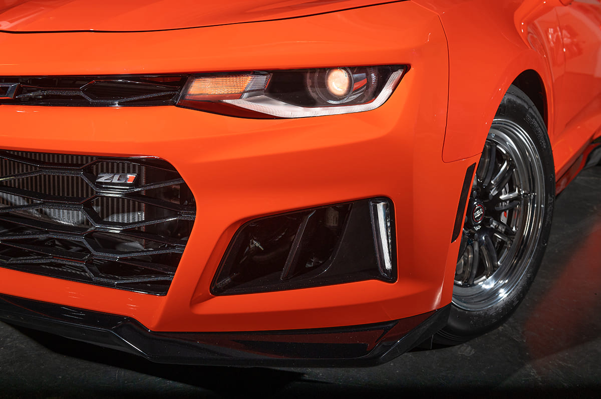 039-2019-chevy-camaro-ZL1