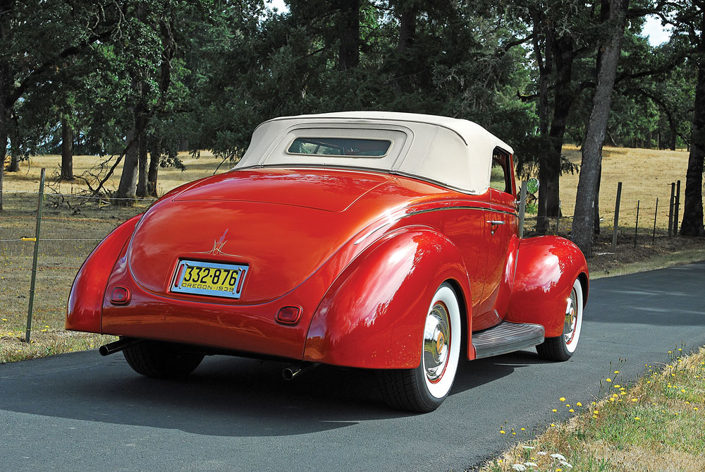 04 Heidts IFS Classic Ford convertible on Rallye Wheels with 1951 Pontiac hubcaps