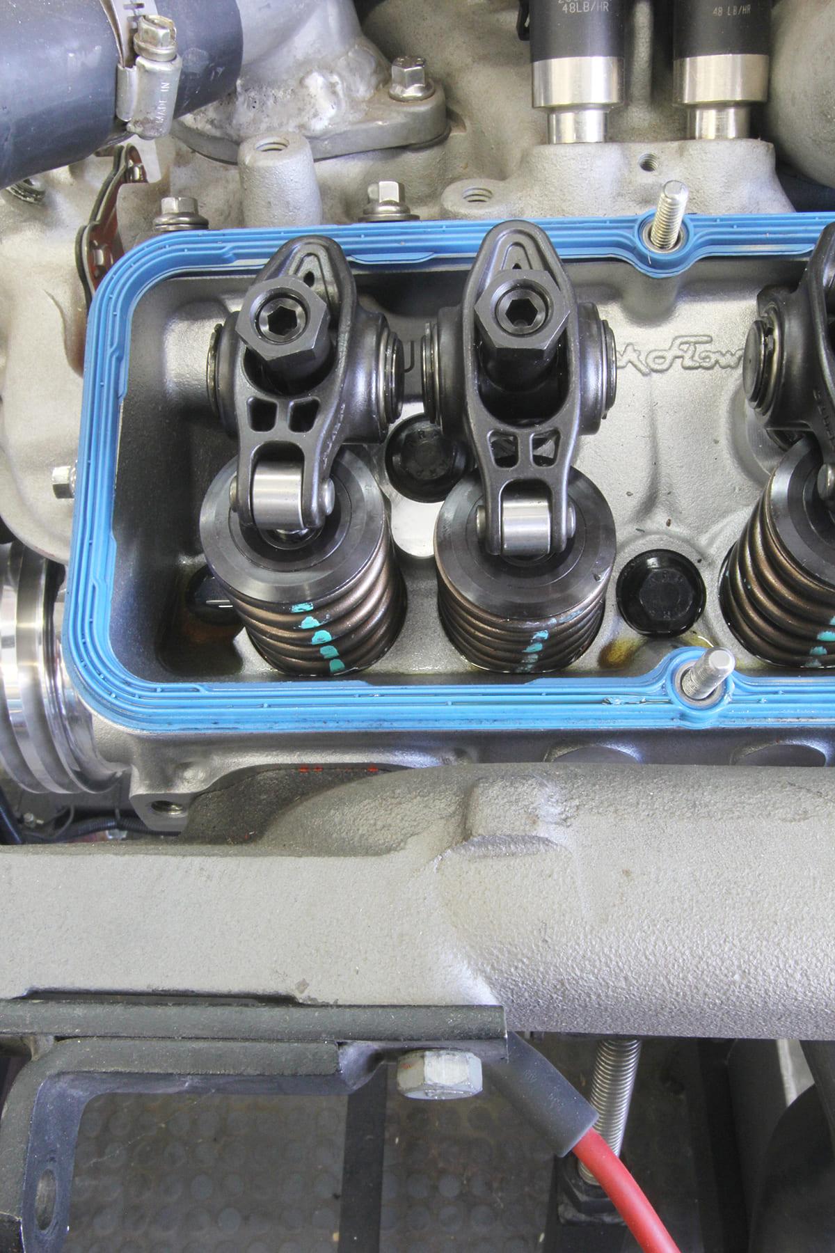 004-setting-valve-lash