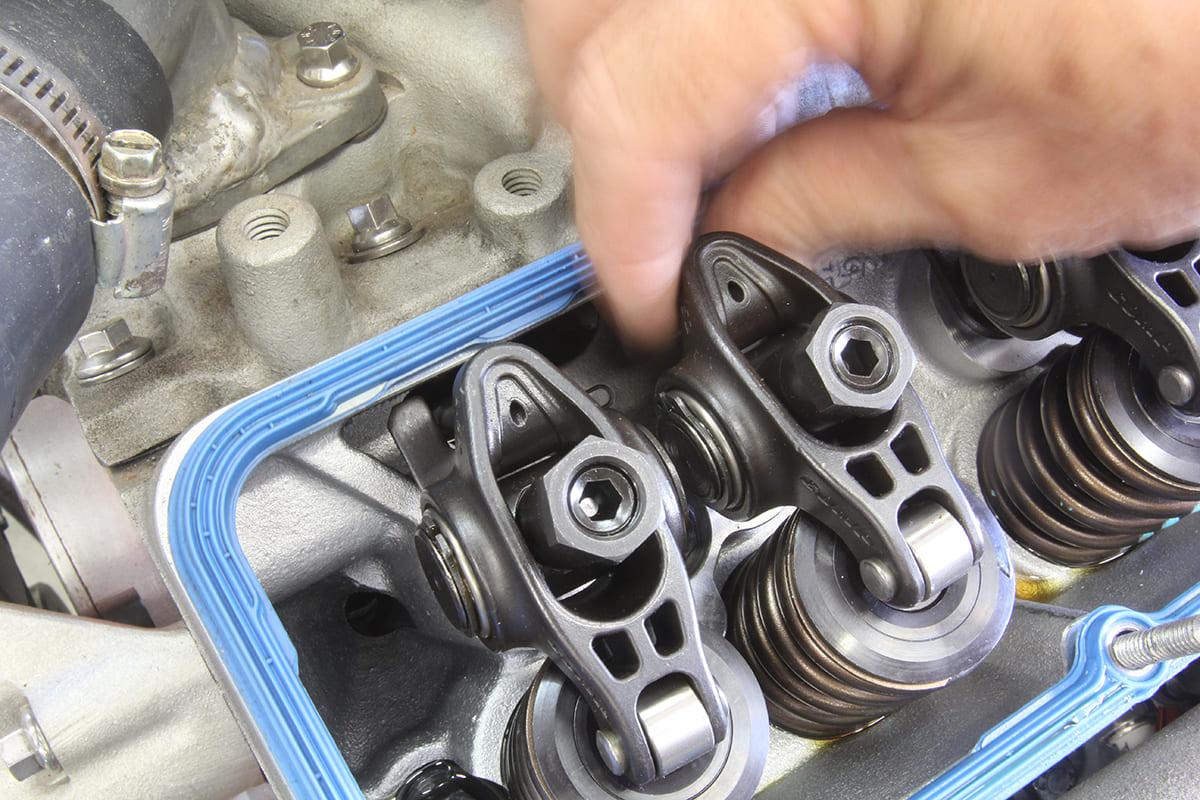 006-setting-valve-lash