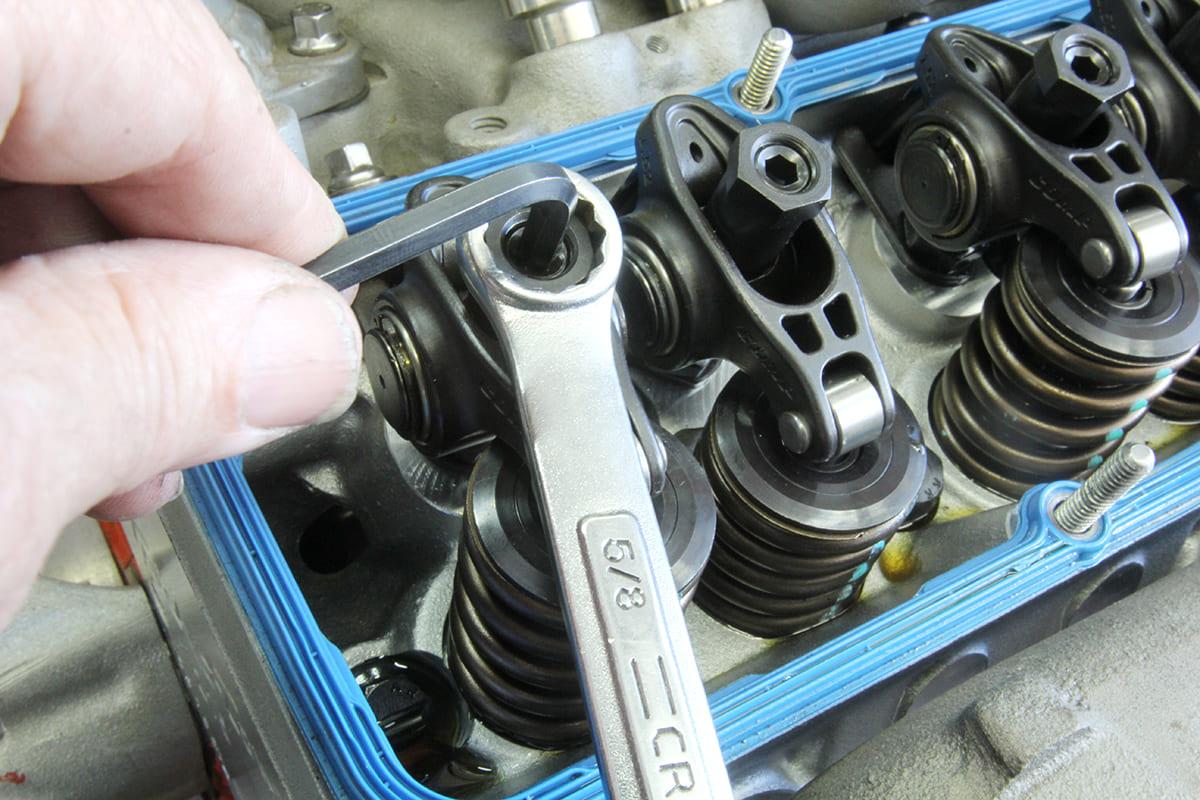008-setting-valve-lash