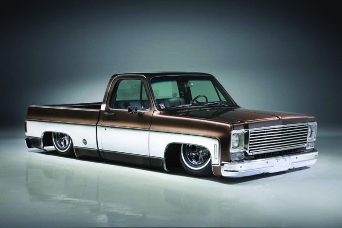 01 Classic truck with full body air suspension