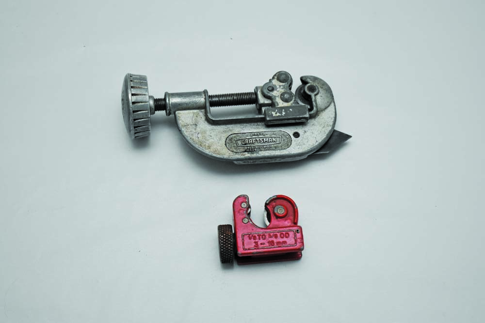 010 Tube cutter for steel and copper tubing