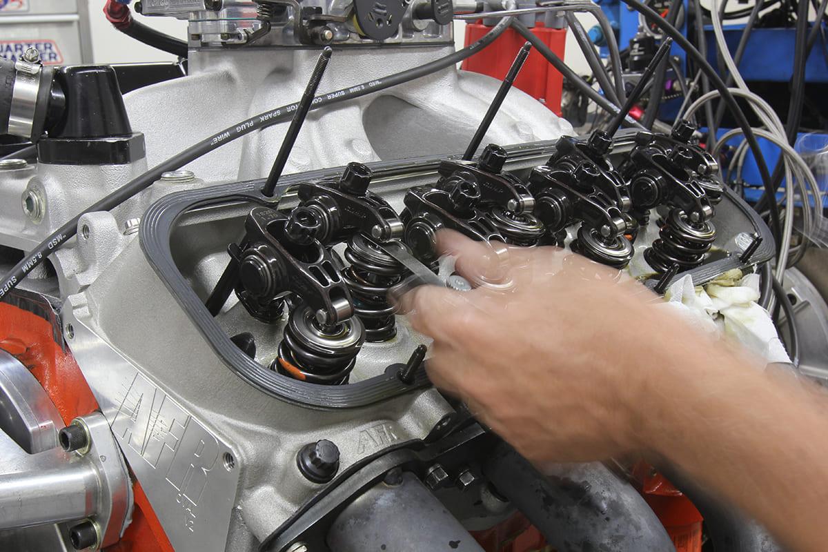010-setting-valve-lash