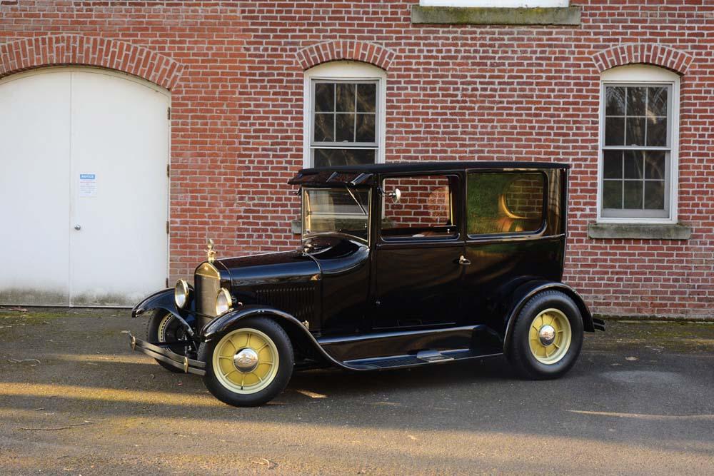 05 1926 Ford Tudor Sedan hot rod on Excelsior stahl sport radial 500r 16