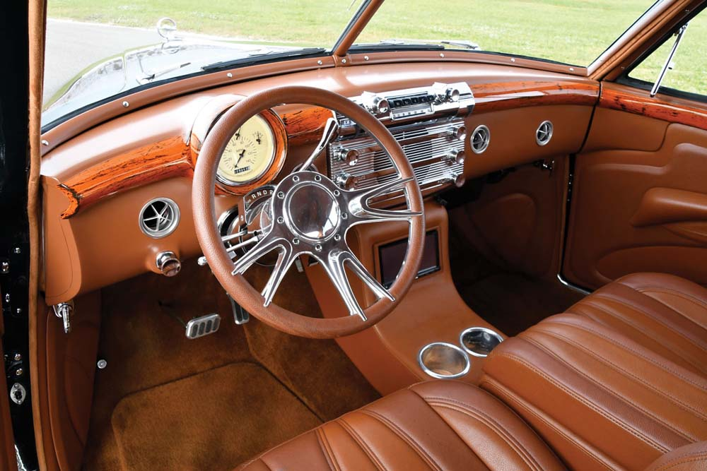 08 Buick faux wood grain dash with classic instruments