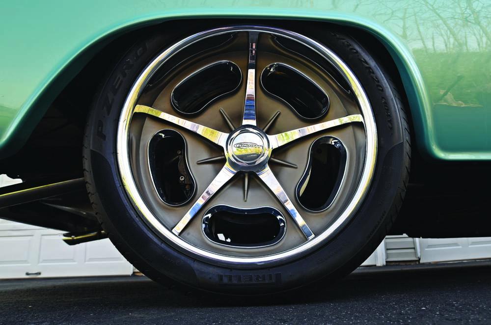 09 Classic C10 on RideTech suspension and Wilwood discs