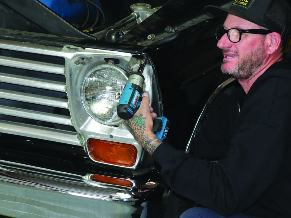 12 Removing the 1967 Ford F100 grille