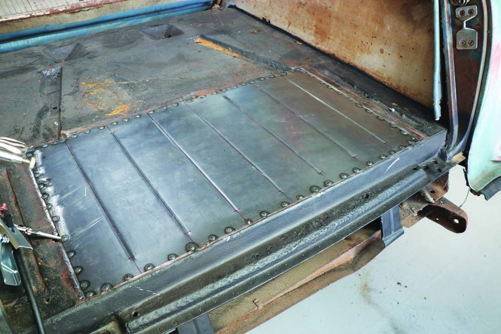 16 spot welding for the spare tire delete