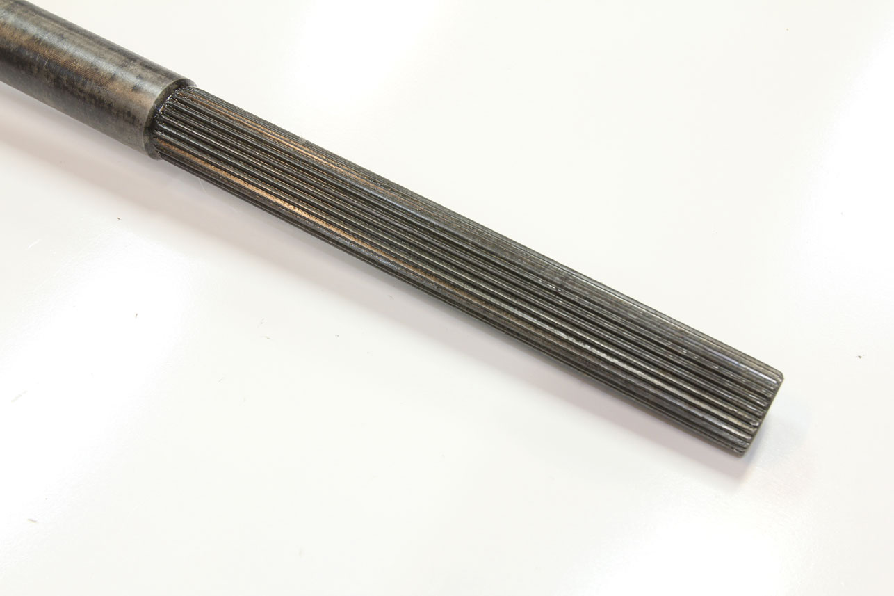 18-speedway-motors-splined-axle