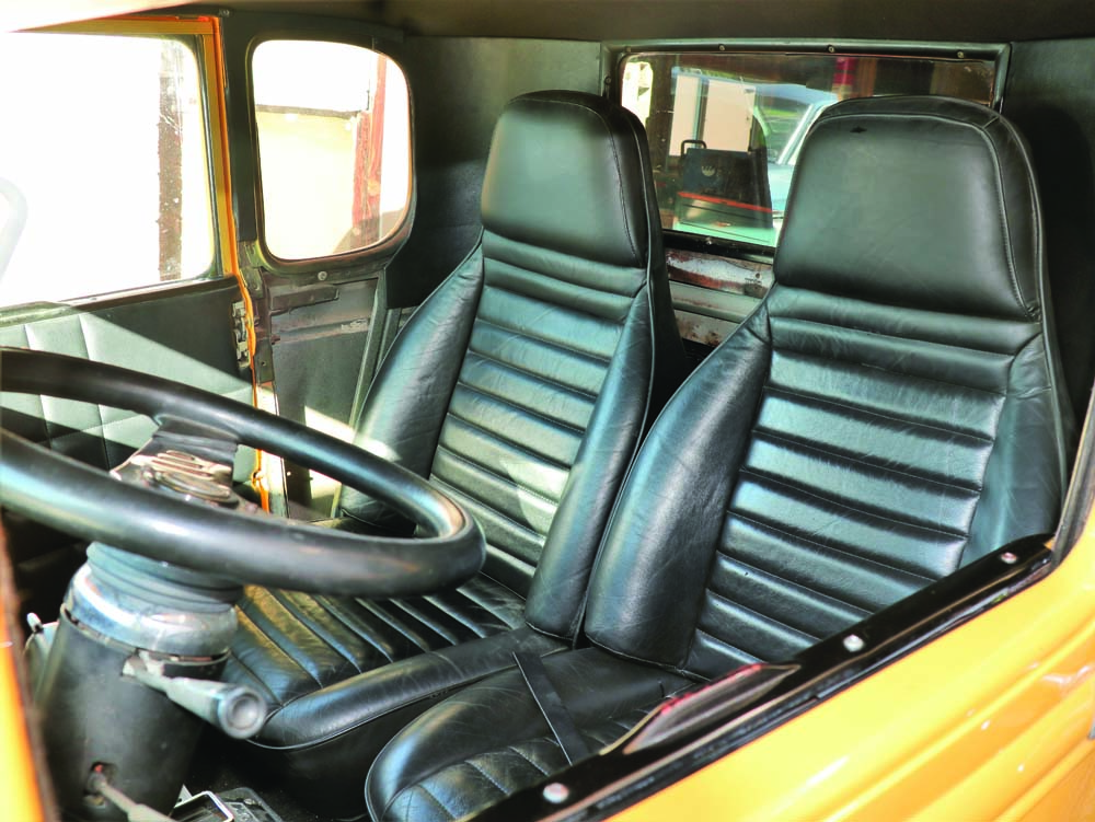 05 High back Porsche bucket seats in this hot rod Model A