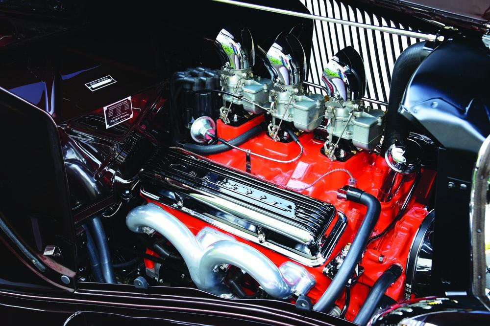 11 V8 GM crate engine with Comp cam camshaft and edelbrock intake