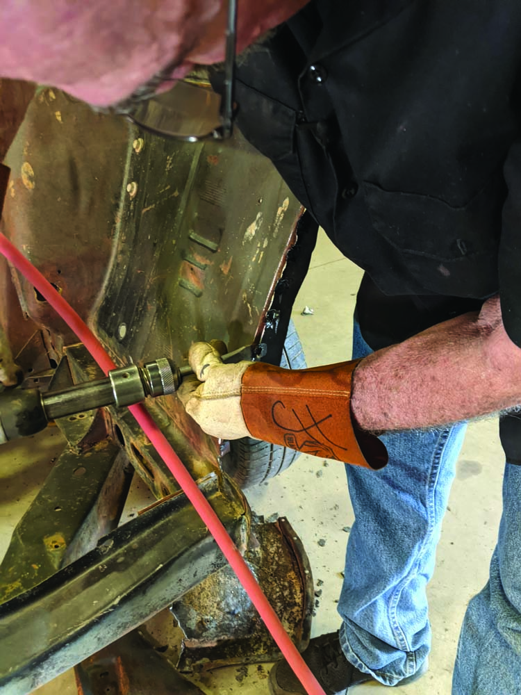 16 hammer chisel seperates the two panels on the 1969 Ford Torino